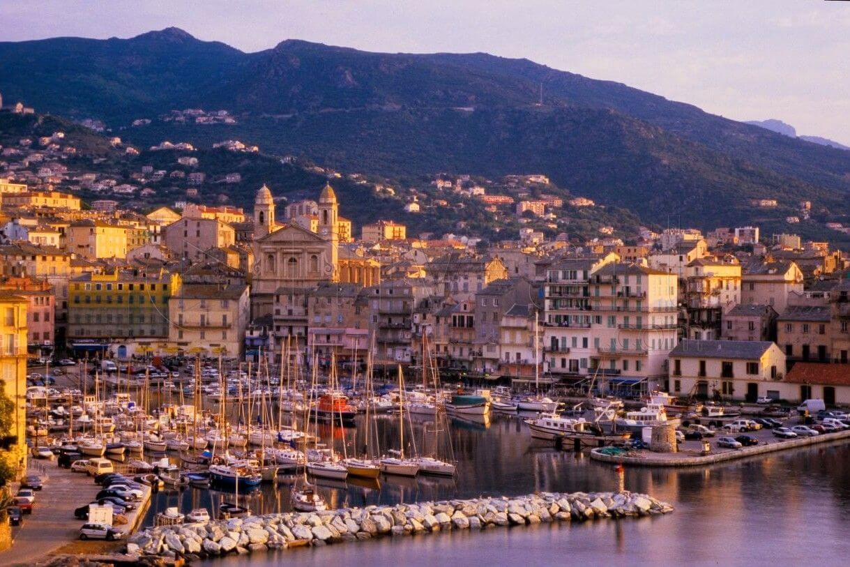 Cheap flights to Bastia
