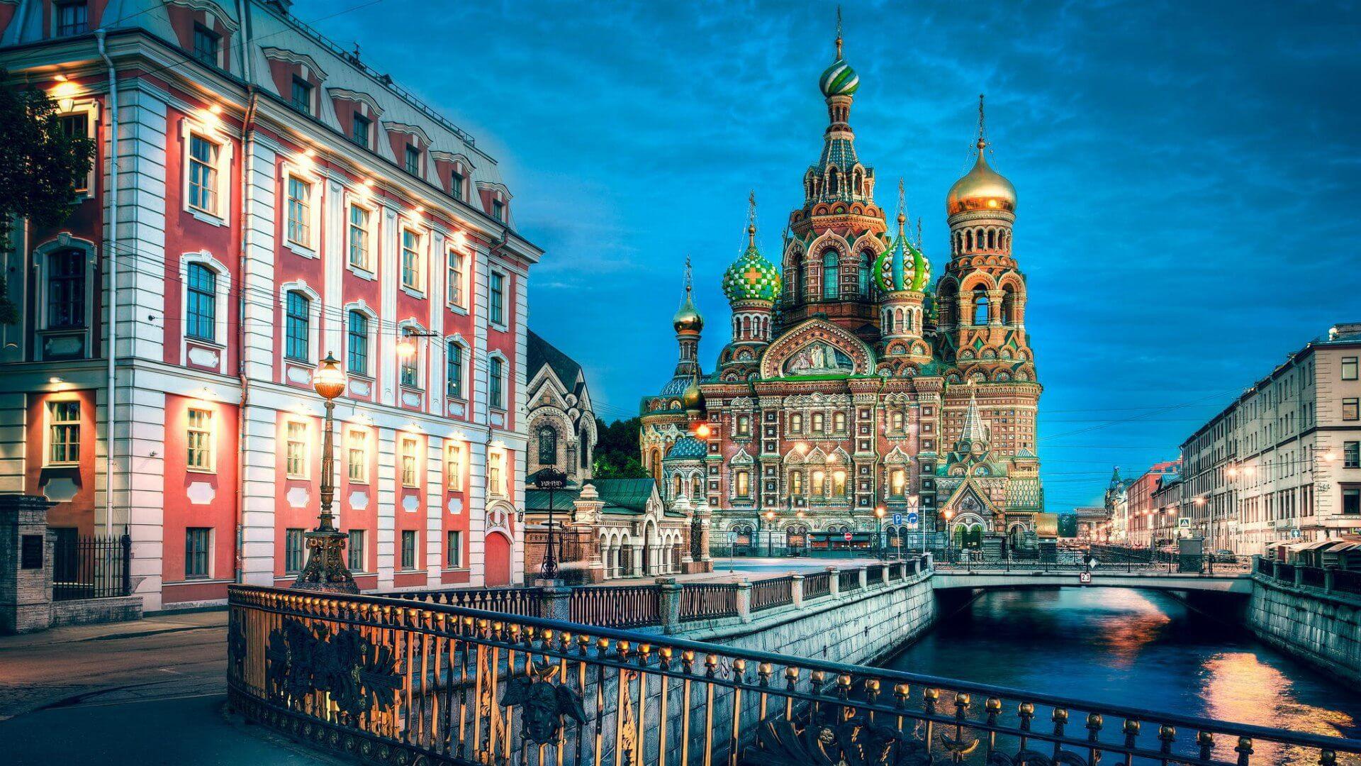 Φθηνές πτήσεις προς Αγία Πετρούπολη