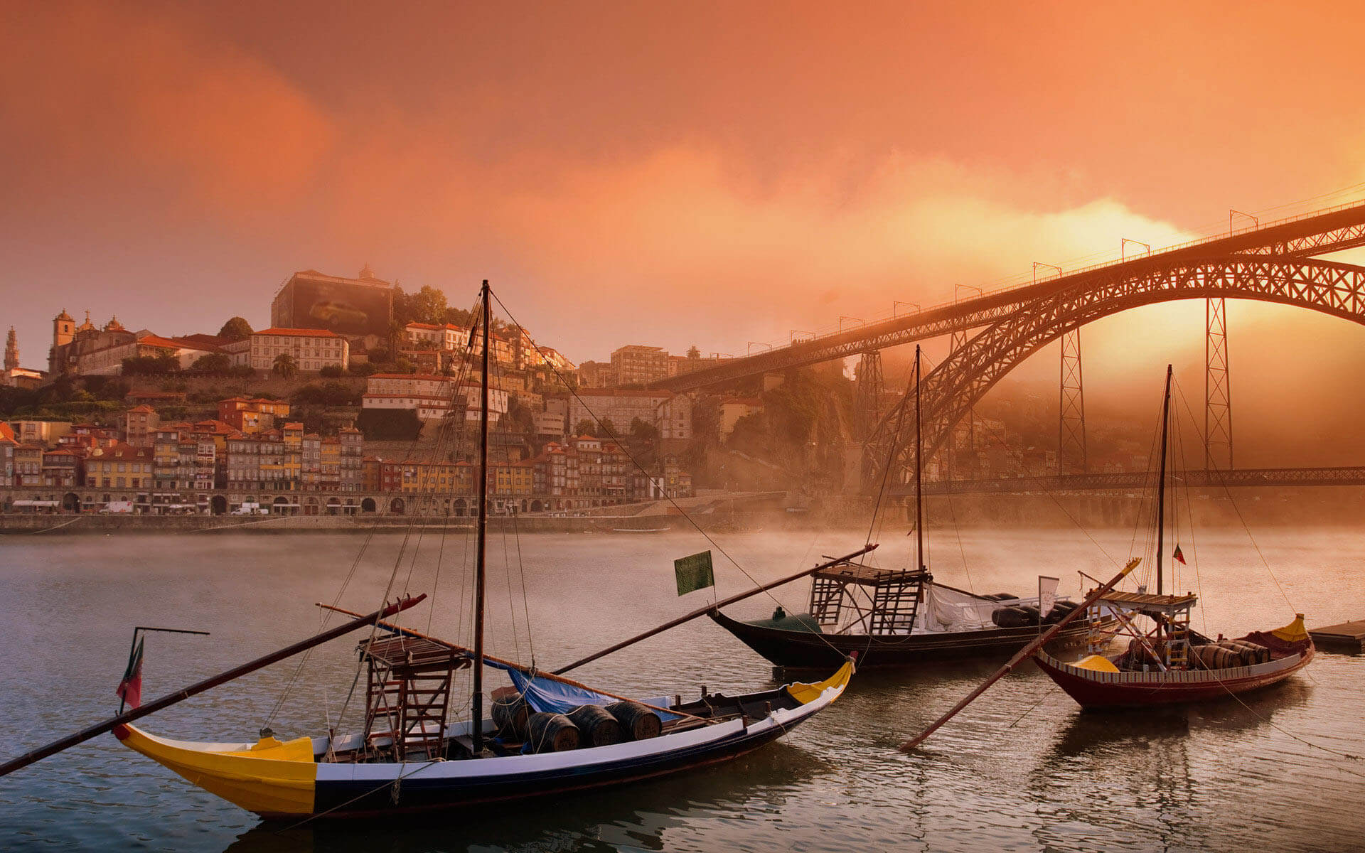 Cheap flights to Porto