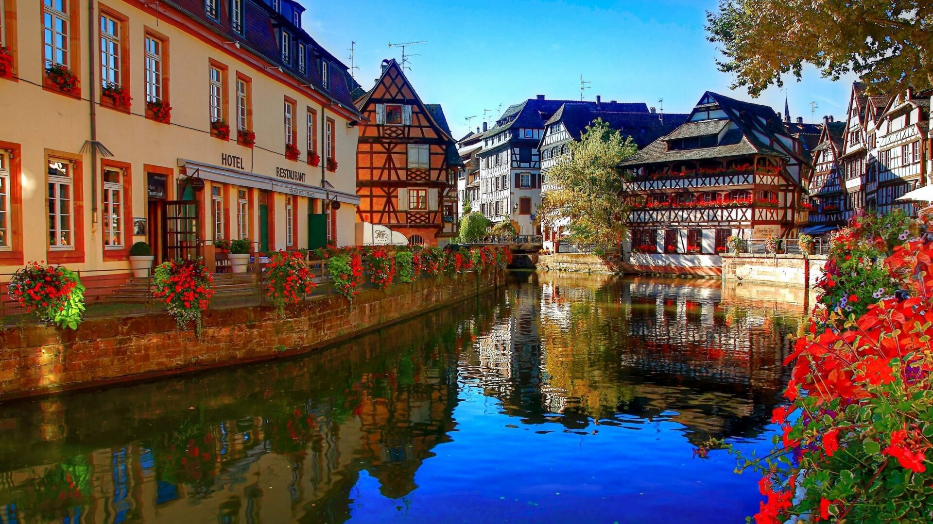 Cheap flights to Strasbourg