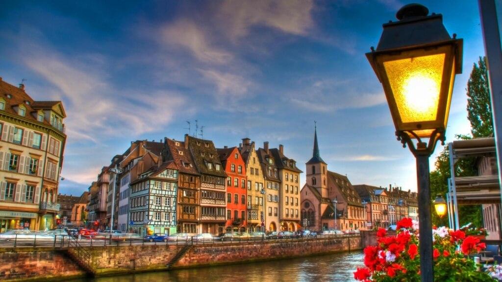 Φθηνές πτήσεις προς Στρασβούργο