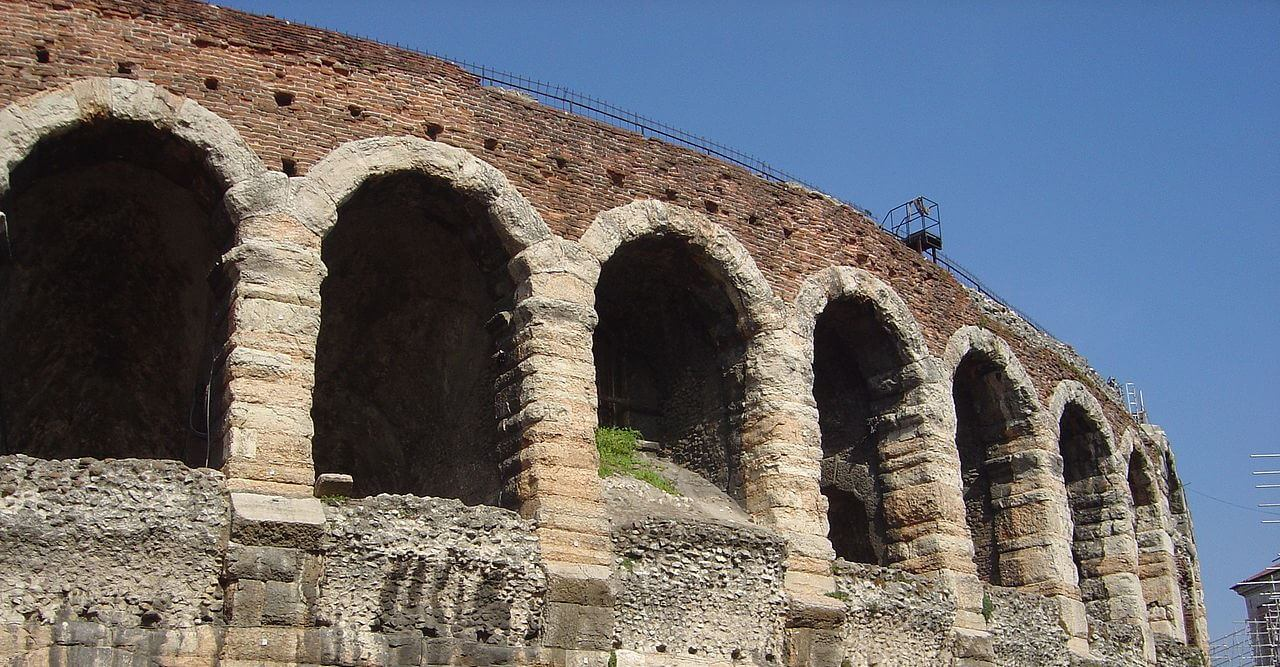 Cheap flights to Verona
