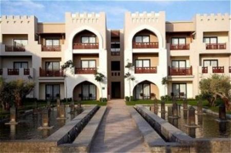 Crowne Plaza Sahara Oasis