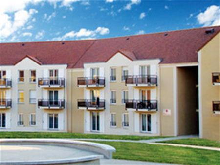 Sejours & Affaires Roissy Village