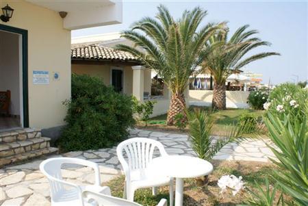 Ξενοδοχείο Beach Front Salvanos