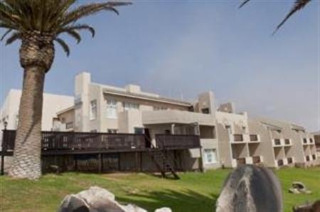 Protea Long Beach Lodge